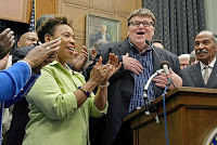 'sicko' leaves top democrats ill at ease