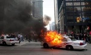 toronto police rough up journalists, arrest peaceful protesters at g20