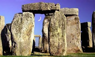 Stonehenge: A Burial Ground for Stone Age Elites?