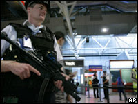 UK 'plot' terror charge dropped