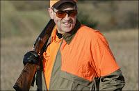 huckabee jokes about obama ducking gunman