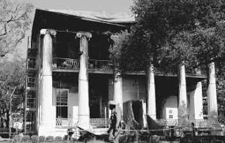 blaze destroys texas governor's mansion