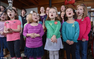 Sandy Hook Survivors Sing 'Over the Rainbow' to Commemorate Shooting